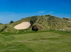 The Himalaya 6th from the start of the fairway