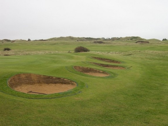 Great Video of the 8th bunkers being revetted